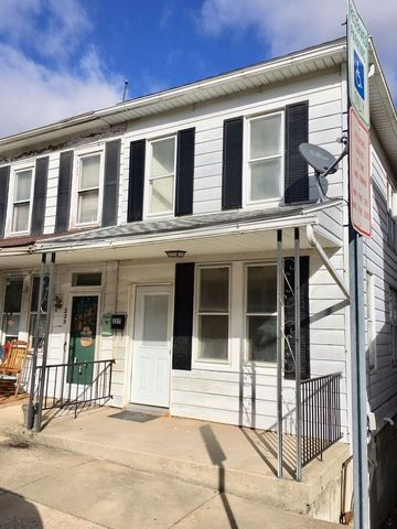 Photo of 227 Wise Ave, Red Lion, PA 17356