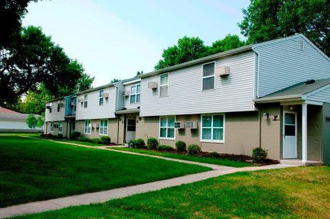 862 Homestead Village Ln Se, Rochester, MN 55904