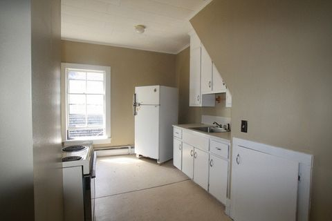 Photo of 21 Church St Apt 3, Oakland, ME 04963
