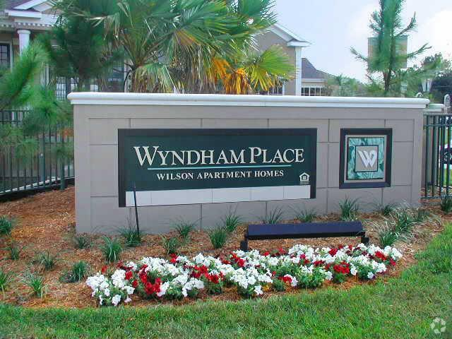 Wyndham Place Apartments