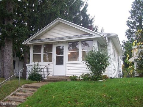 2105 Chapin St, South Bend, IN 46613