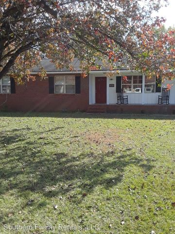 Photo of 405 Eastwood Dr, Dublin, GA 31021