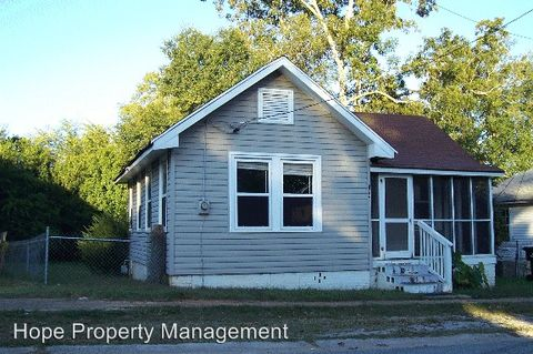 134 Grady Smith St, Grantville, GA 30220