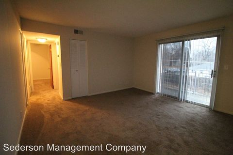 Photo of 5811 Maple St Apt 6, Mission, KS 66202