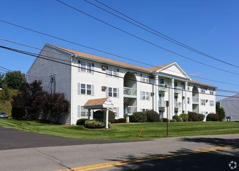 Photo of 449 Glendale Dr, Endicott, NY 13760
