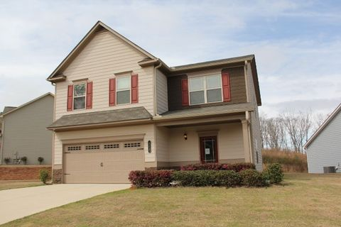 Photo of 560 Country Ridge Dr, Hoschton, GA 30548