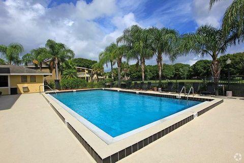 Photo of 2476 Atlantis Ave, Fort Pierce, FL 34981