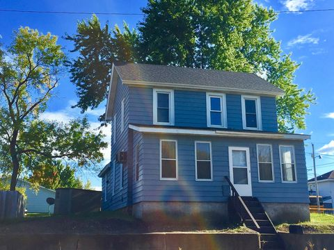 Photo of 13 E Canal St, Chippewa Falls, WI 54729