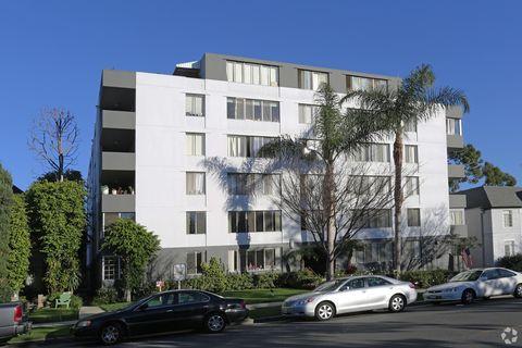 Photo of 468 S Roxbury Dr, Beverly Hills, CA 90212