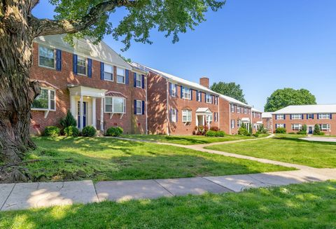 Photo of 6809 Bellona Ave, Towson, MD 21212
