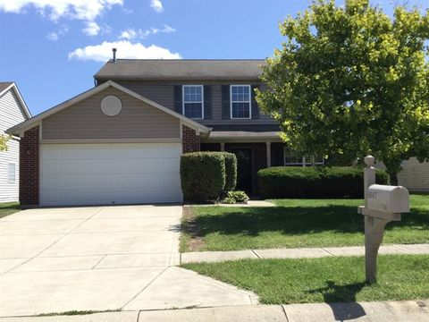 Photo of 8847 N White Tail Trl, McCordsville, IN 46055