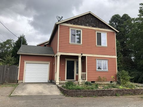 Photo of 7429 Se Clatsop St, Portland, OR 97206