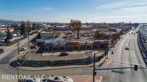 Photo of 646 Hegenberger Rd, Oakland, CA 94621