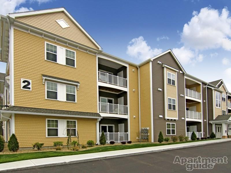 Apartments Near Stonehill | College Student Apartments