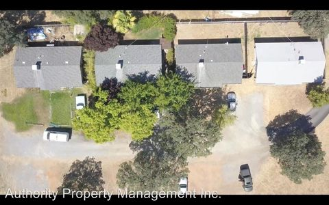 Photo of 1571 College View Dr, Redding, CA 96003