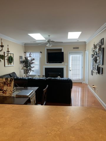 Photo of 4495 Veranda Lake Ct, Greensboro, NC 27409