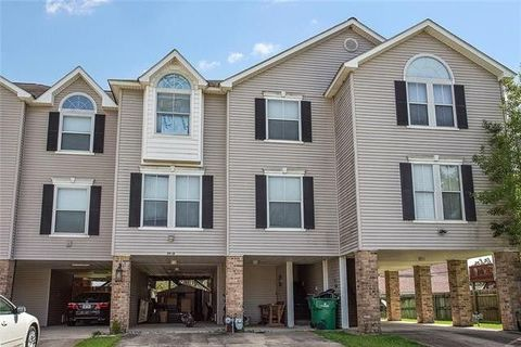 Photo of 39 Brandon Hall Dr Apt A, Destrehan, LA 70047