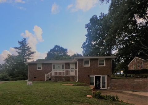 Photo of 2409 Boiling Springs Rd, Boiling Springs, SC 29316
