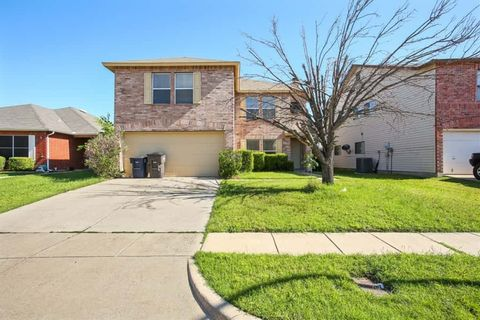 Photo of 10116 Chapel Hill Ct, Fort Worth, TX 76116