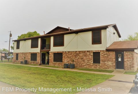 300 N Wells Ave, Hubbard, TX 76648
