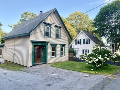 Photo of 15 Pine St, Bucksport, ME 04416
