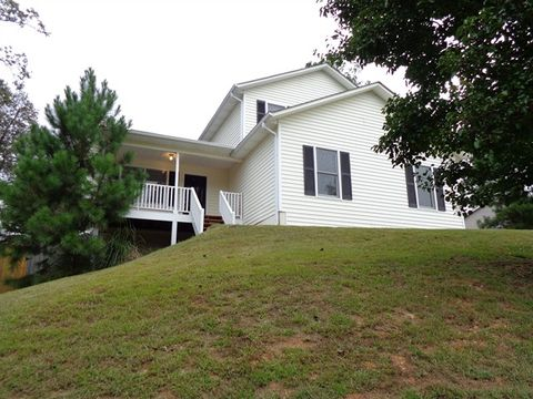 Photo of 1005 Whispering Woods Dr, Canton, GA 30114