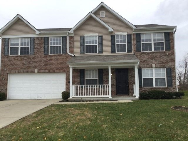 372 Green Meadow Dr, Indianapolis, IN 46229