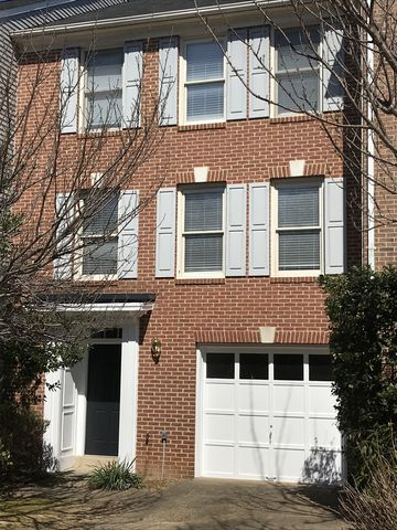 Photo of 8104 Meadow Springs Ct, Vienna, VA 22182