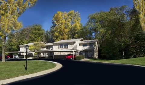 35055 Muirwood Dr, Farmington Hills, MI 48335