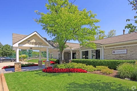 Photo Of 5460 Bentley Rd West Bloomfield Mi 48322 Apartment For Rent