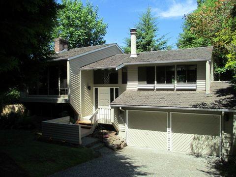 Photo of 4621 Highland Dr, Bellevue, WA 98006