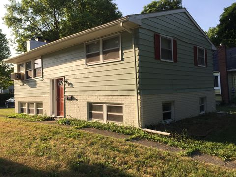 Photo of 213 S Fairview Ave # 5 Upper, Lansing, MI 48912