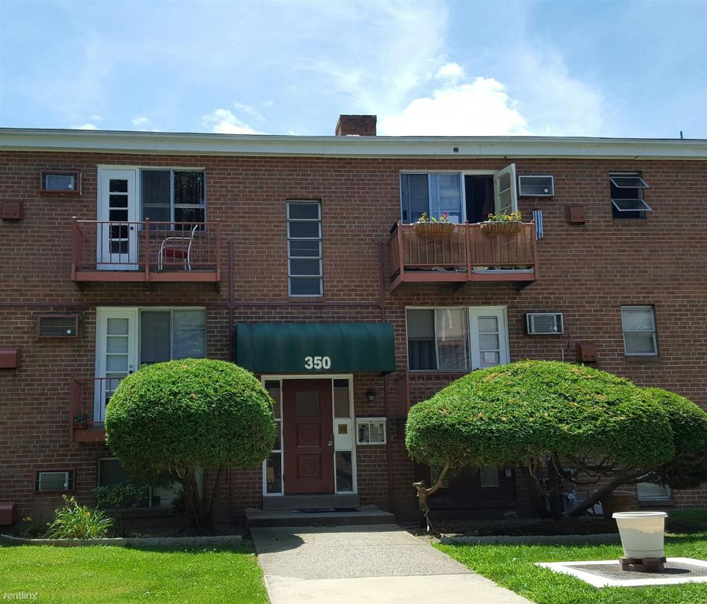 2800 White Plains Rd: Garrettford, Drexel Hill, PA Apartments For Rent