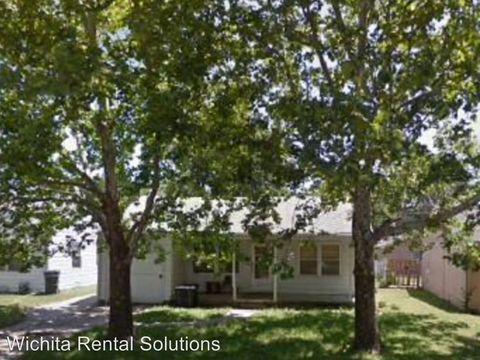 2438 S Laura St, Wichita, KS 67216
