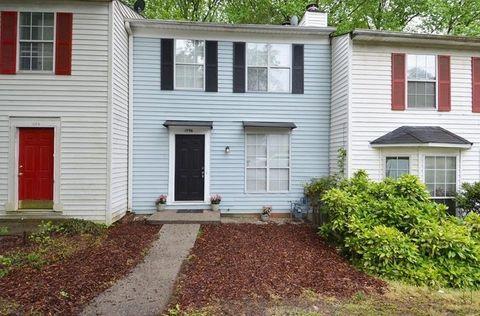 Photo of 1096 Huntington Trce Se, Smyrna, GA 30082