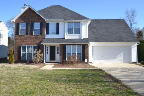 Photo of 14825 Cane Field Dr, Charlotte, NC 28273