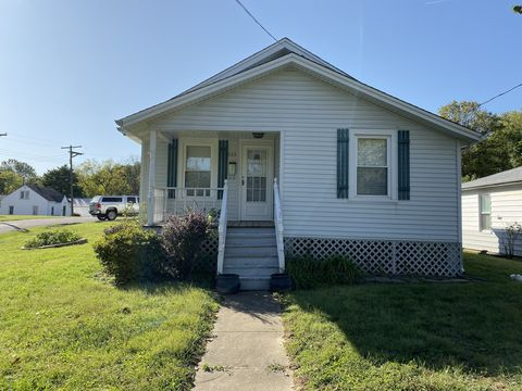 Photo of 535 Louis St, Cape Girardeau, MO 63703