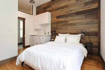 Private Bedroom with Kitchenette Suite