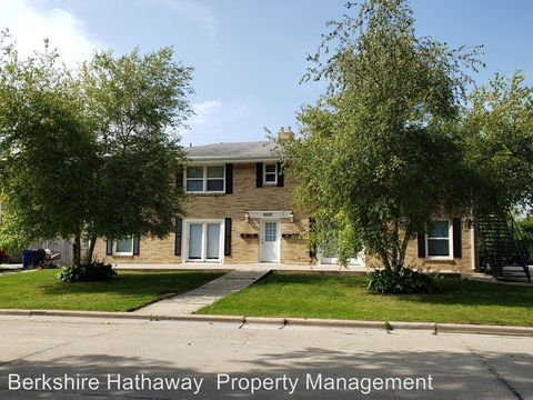 Photo of 4208 Marquette Dr # 3, Racine, WI 53402