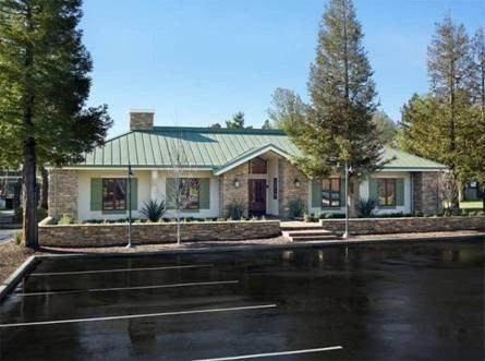 1 Lakeville Cir, Petaluma, CA 94954