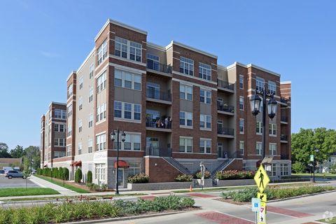 Photo of 233 W Wisconsin Ave, Oconomowoc, WI 53066