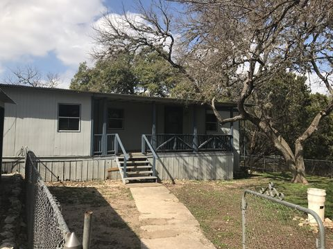 Photo of 840 Highview St, Canyon Lake, TX 78133