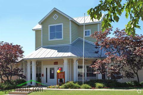 Photo of 1111 Oak Tree Ave, Norman, OK 73072