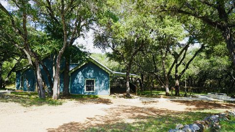 Photo of 111 Rolling Hills Dr, Spicewood, TX 78669