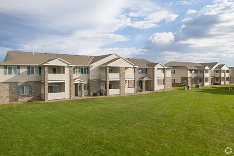 Photo of 1319 E 45th St, Kearney, NE 68847