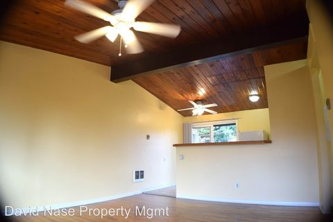 Photo of 6730 And 6740 Sw Canyon Rd, Portland, OR 97225