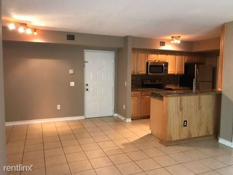 Photo of 460 S Park Rd Unit 6-103, Hollywood, FL 33021