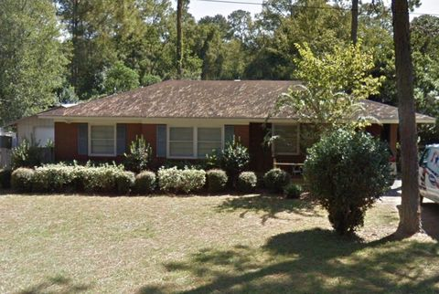 Photo of 1702 Camellia Dr, Waycross, GA 31501