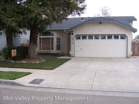 1850 Holliday St, Tulare, CA 93274