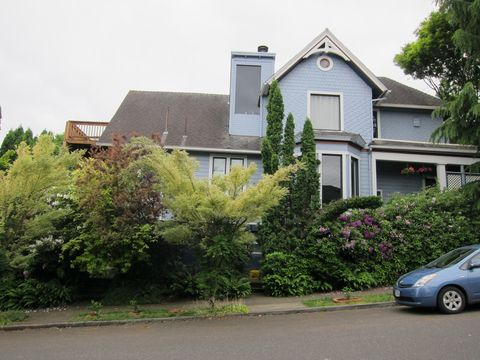 Photo of 3304 Sw Corbett Ave # 3308, Portland, OR 97239